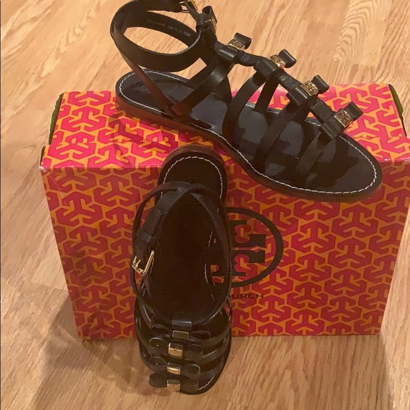 d518ed710422 Tory Burch Kira Flat Sandal Beg Leather Size 7.5. Tory Burch.  M 5c74bd2cd6dc52df3a178351. M 5c74bd3d194dad97d6bd03f7.  M 5c74bdb8aa877081e9434b4b